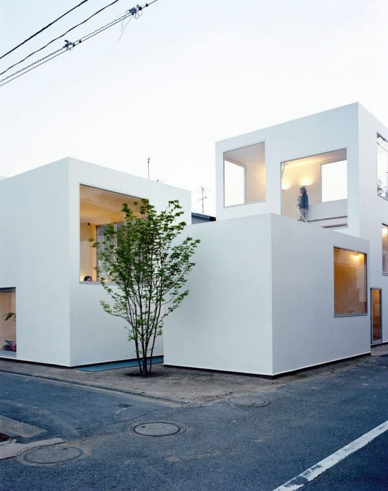 The Japanese House: Architecture And Life After 1945 — Ala Champ